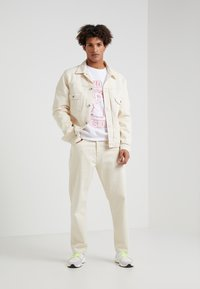 Band of Outsiders - EMBROIDERED CREW NECK  - Sweatshirts - white - 1