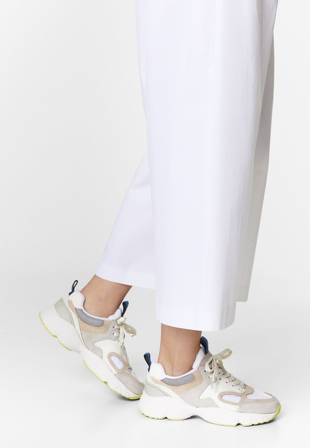 BIMBA Y LOLA WHITE CHUNKY SNEAKER - Trainers - off white