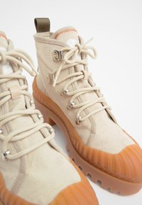 Bimba Y Lola - BIMBA Y LOLA BEIGE CANVAS TREKKING BOOT - Lace-up ankle boots - natural - 5