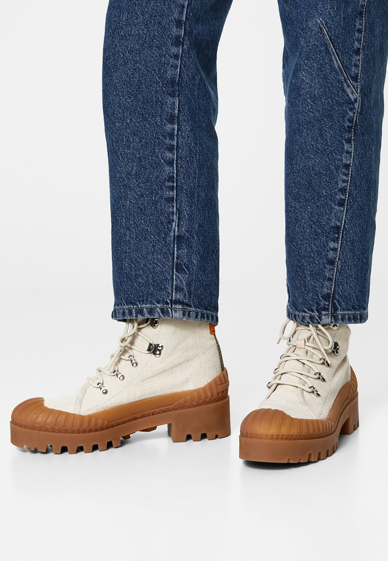 Bimba Y Lola - BIMBA Y LOLA BEIGE CANVAS TREKKING BOOT - Lace-up ankle boots - natural