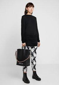 Bimba Y Lola - Long sleeved top - black - 1