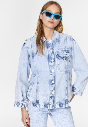 BIMBA Y LOLA STRAIGHT DENIM JACKET - Denim jacket - acid wash blue