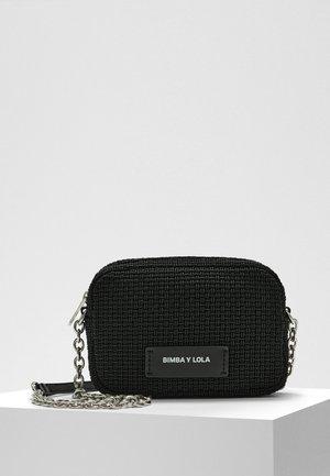 BIMBA Y LOLA XS PLAITED CROSSBODY BAG CHAIN - Across body bag - black
