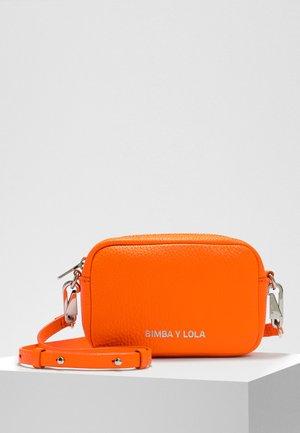 BIMBA Y LOLA XS ORANGE LEATHER CROSSBODY BAG - Across body bag - neon orange