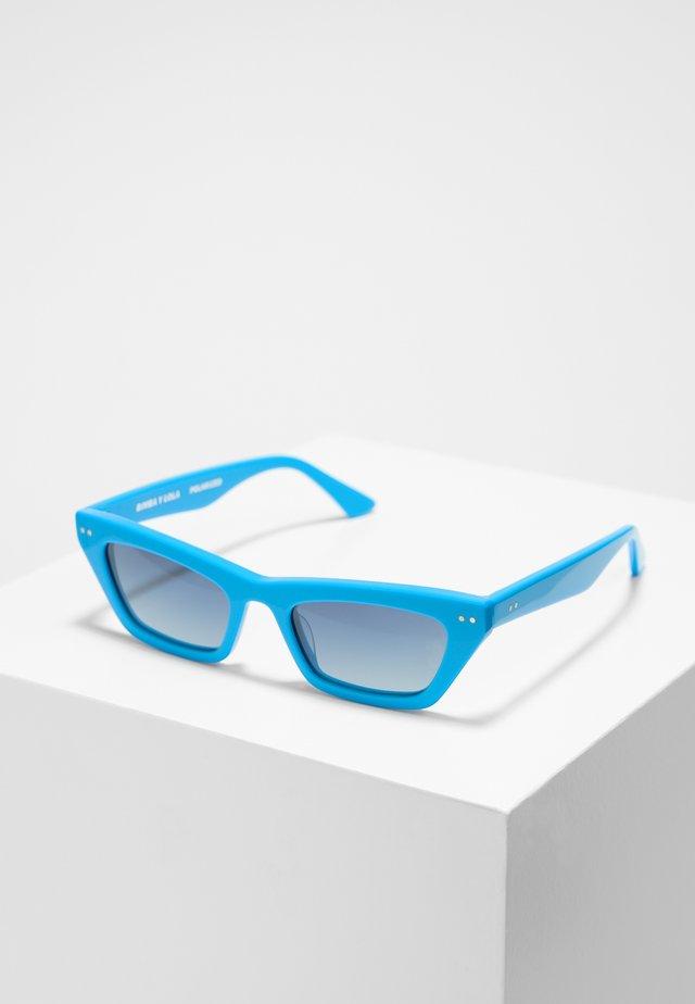 BIMBA Y LOLA TURQUOISE CAT-EYE SUNGLASSES - Sonnenbrille - turquoise