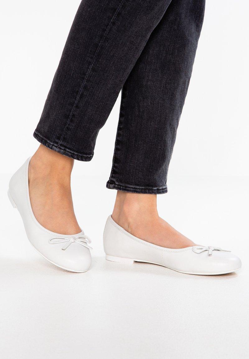 Be Natural - Ballerina's - white