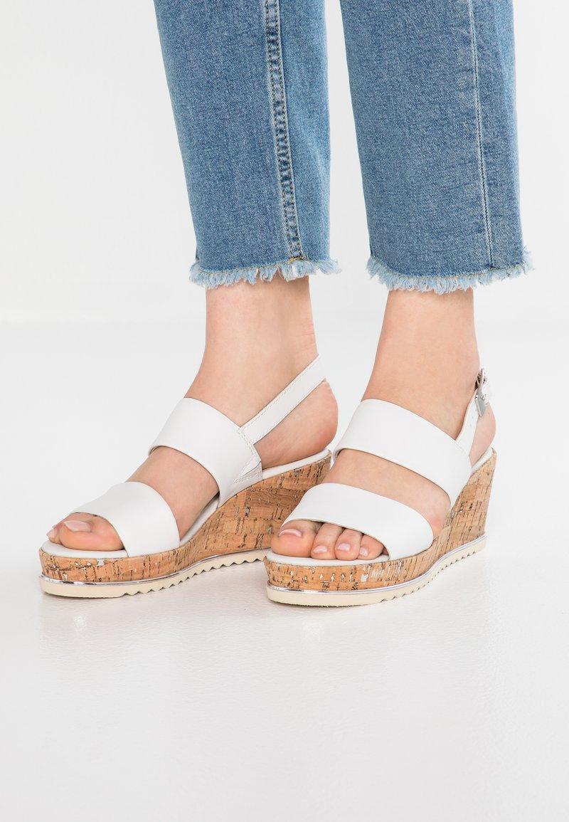 Be Natural - Sandalias con plataforma - white