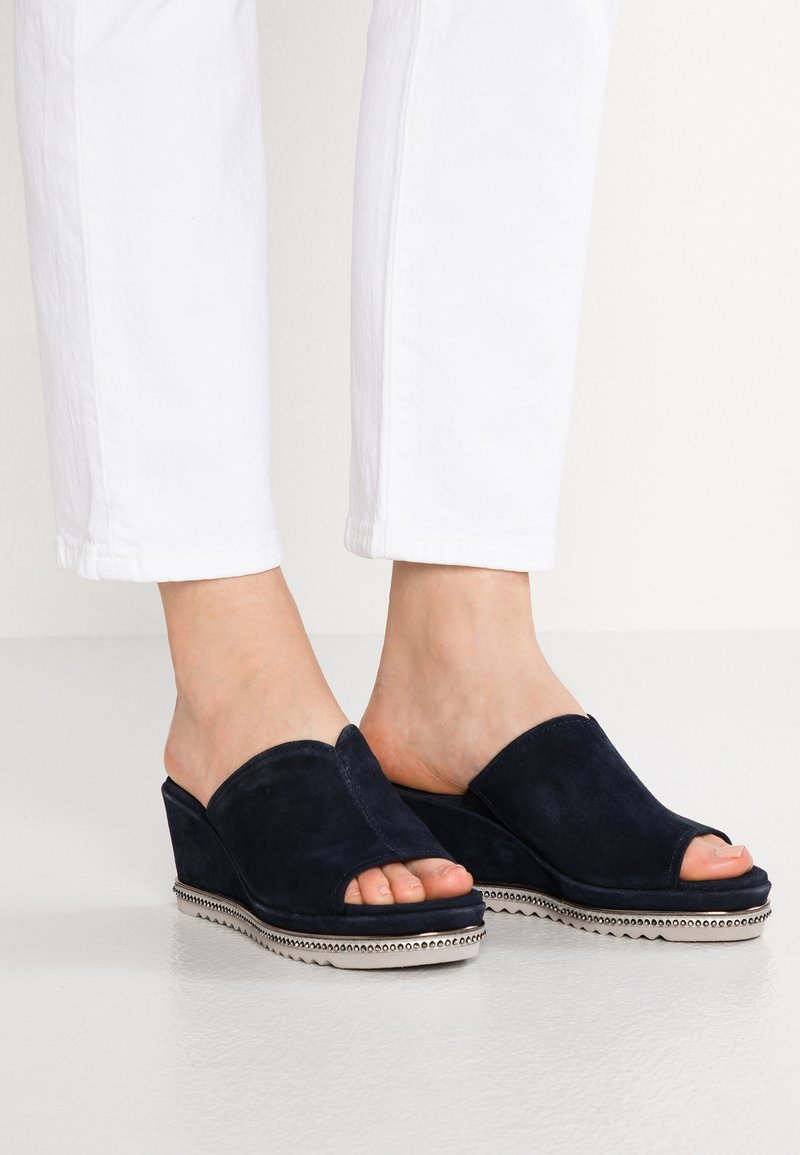 Be Natural - Pantolette hoch - navy