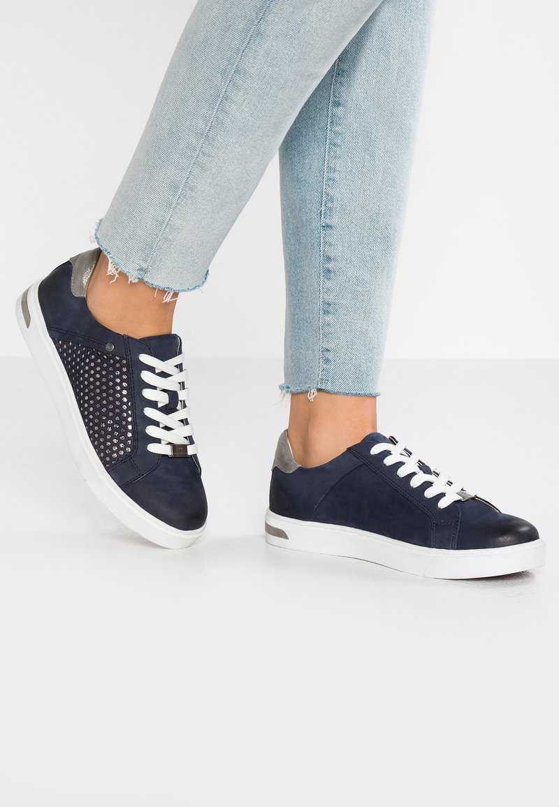 Be Natural - Trainers - navy