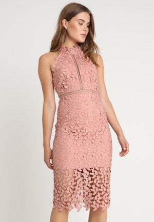 GEMMA DRESS - Koktejlové šaty/ šaty na párty - latte pink