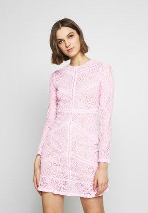 SASHA DRESS - Pouzdrové šaty - soft pink
