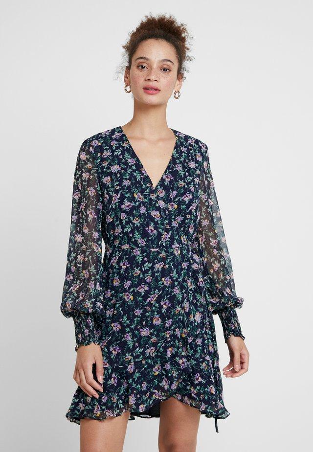 MILEY FLORAL DRESS - Freizeitkleid - lilac