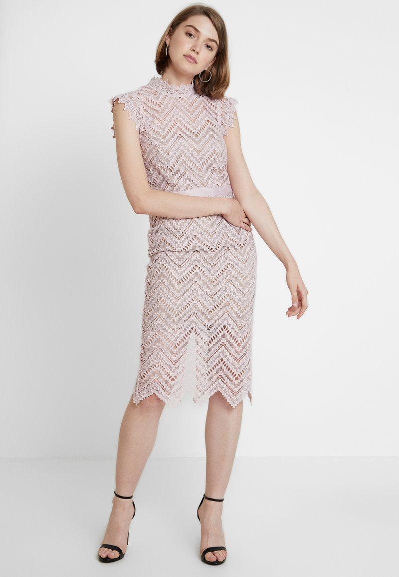Bardot - IMOGEN DRESS - Koktejlové šaty/ šaty na párty - soft pink