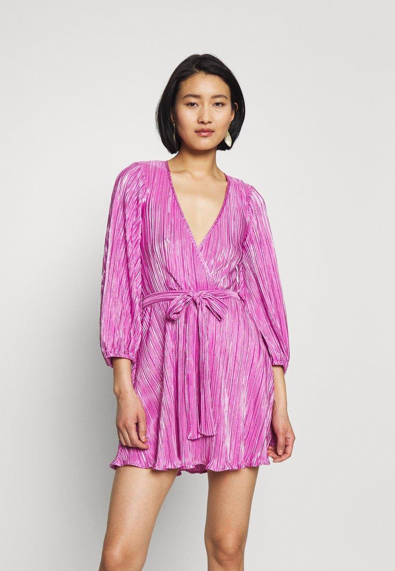 Bardot - BELLISSA PLEAT DRESS - Cocktailjurk - pink shine