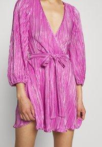 Bardot - BELLISSA PLEAT DRESS - Cocktailjurk - pink shine - 5