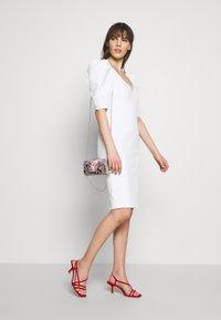 Bardot - FERGIE DRESS - Sukienka koktajlowa - ivory - 1