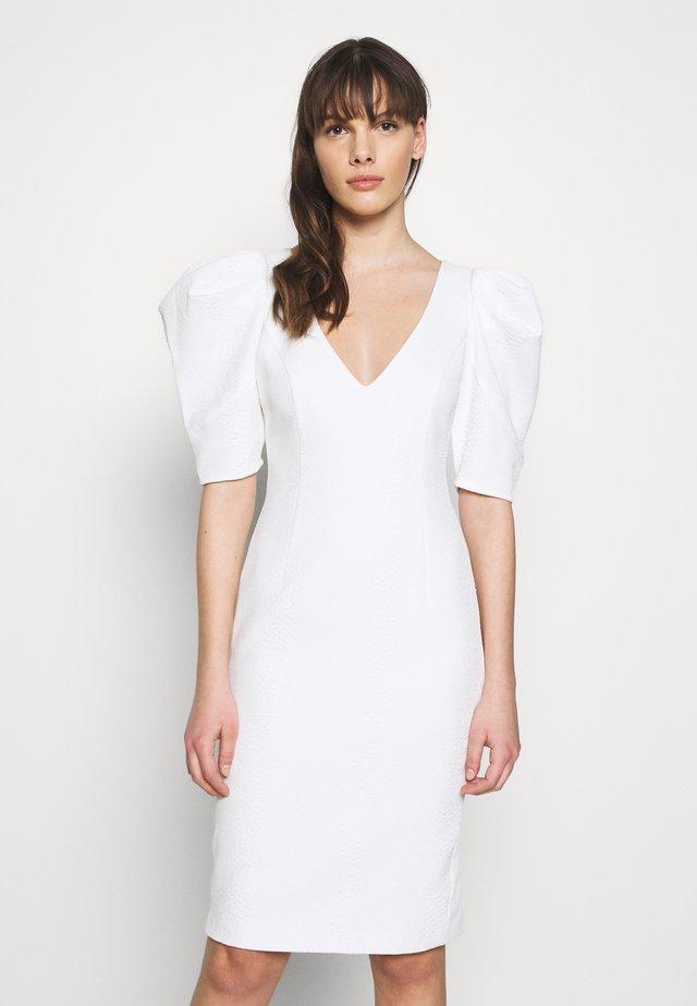 FERGIE DRESS - Cocktailjurk - ivory