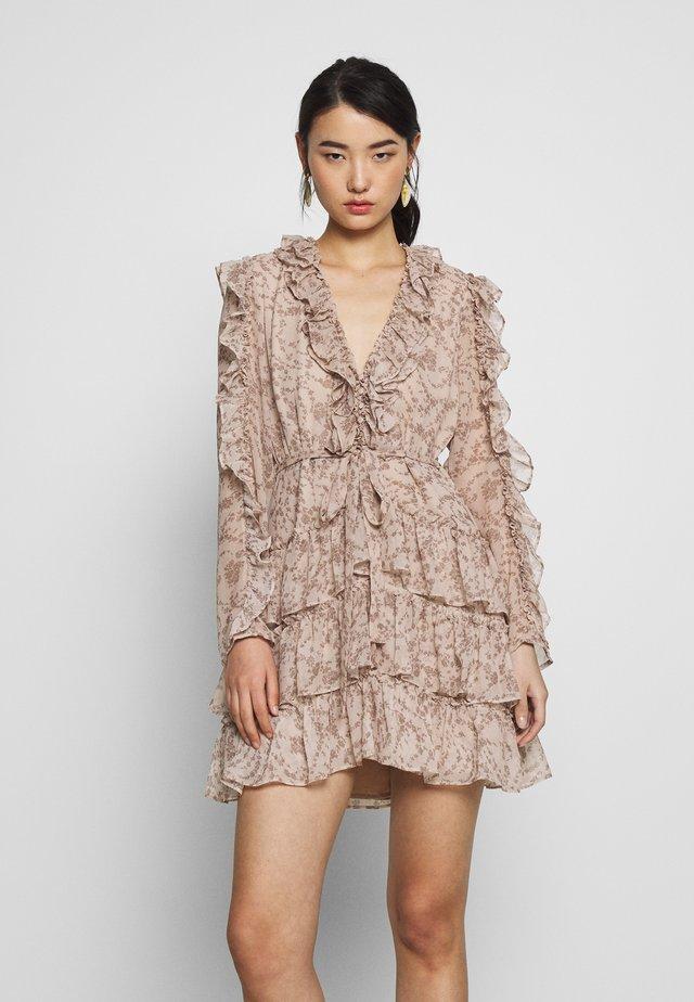 ALESSIA FRILL DRESS - Korte jurk - beige