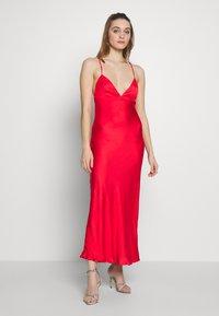 Bardot - JASSIE SLIP DRESS - Denní šaty - fire red - 0