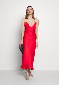 Bardot - JASSIE SLIP DRESS - Denní šaty - fire red - 1