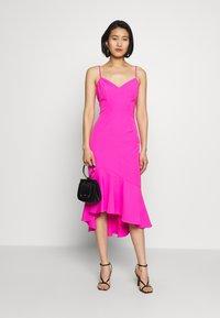 Bardot - LISANDRA MIDI DRESS - Koktejlové šaty/ šaty na párty - pink shock - 1