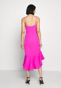 Bardot - LISANDRA MIDI DRESS - Koktejlové šaty/ šaty na párty - pink shock - 2