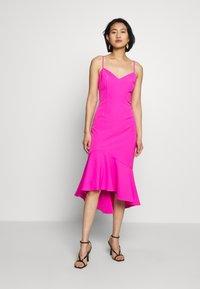 Bardot - LISANDRA MIDI DRESS - Koktejlové šaty/ šaty na párty - pink shock - 0