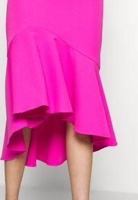 Bardot - LISANDRA MIDI DRESS - Koktejlové šaty/ šaty na párty - pink shock - 5
