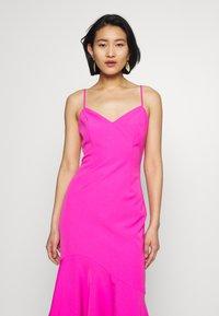 Bardot - LISANDRA MIDI DRESS - Koktejlové šaty/ šaty na párty - pink shock - 3