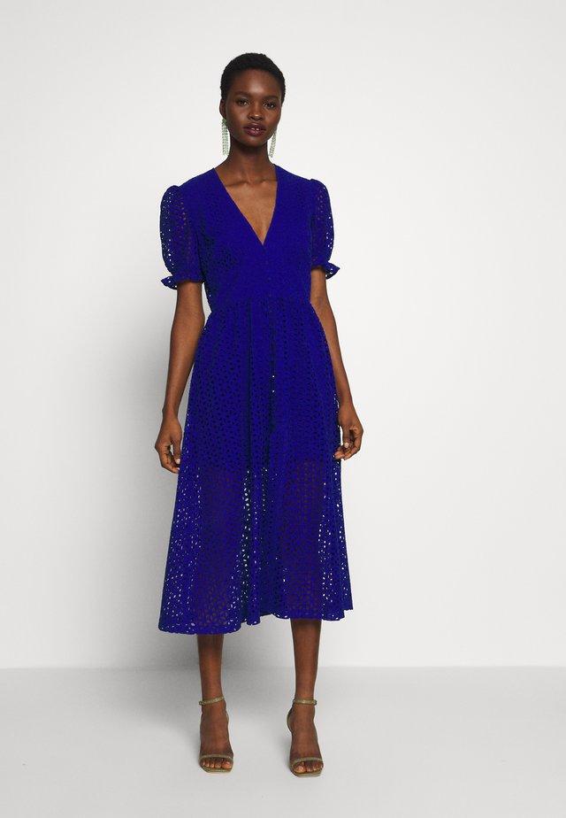 JORDAN DRESS - Koktejlové šaty/ šaty na párty - cobalt