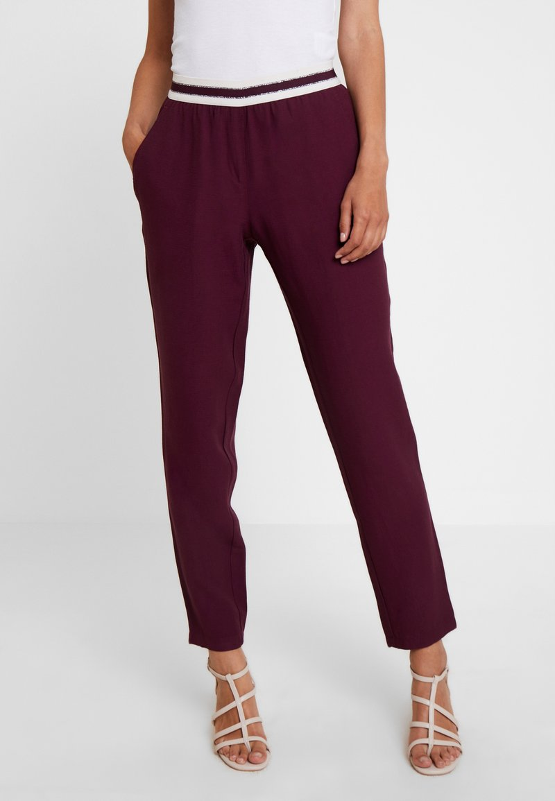 Betty & Co - LANG - Stoffhose - purple red