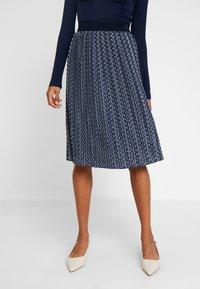 Betty & Co - ROCK - Veckad kjol - blue/nature - 0