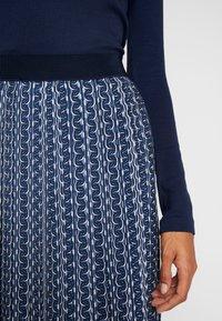 Betty & Co - ROCK - Veckad kjol - blue/nature - 4