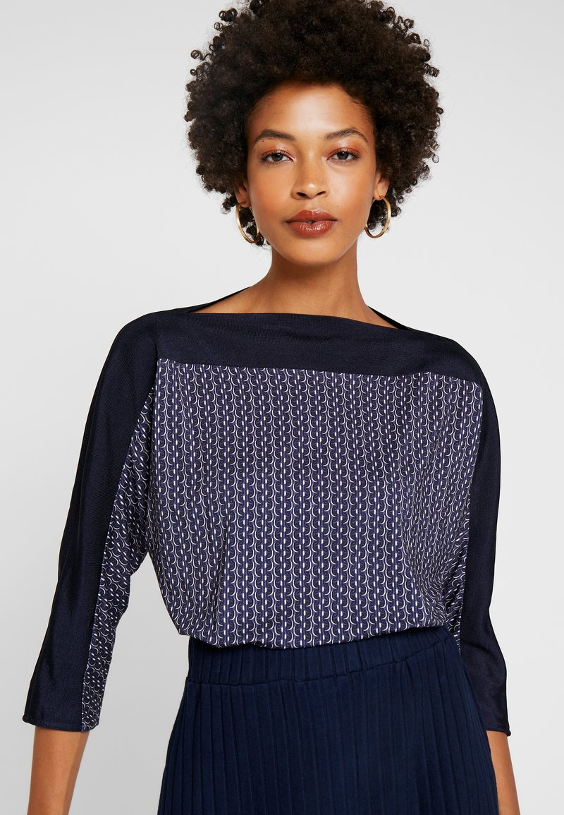 Betty & Co - MASSTAB - Long sleeved top - blue/nature