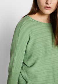 Betty & Co - Sweter - green - 5