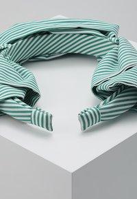 Becksöndergaard - SUMMER STRIPES HEADBAND - Hair styling accessory - grass green - 2