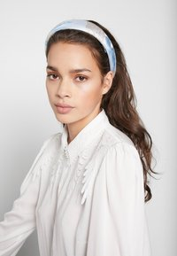 Becksöndergaard - APALIS HAIRBRACE - Hair Styling Accessory - light blue - 1