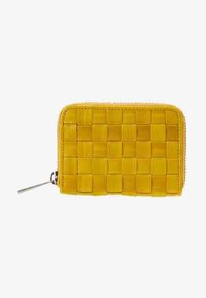 BRAIDY PURSE LEATHER - Monedero - yellow