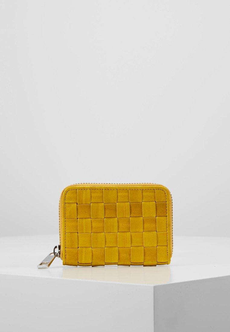 Becksöndergaard - BRAIDY PURSE LEATHER - Portefeuille - yellow