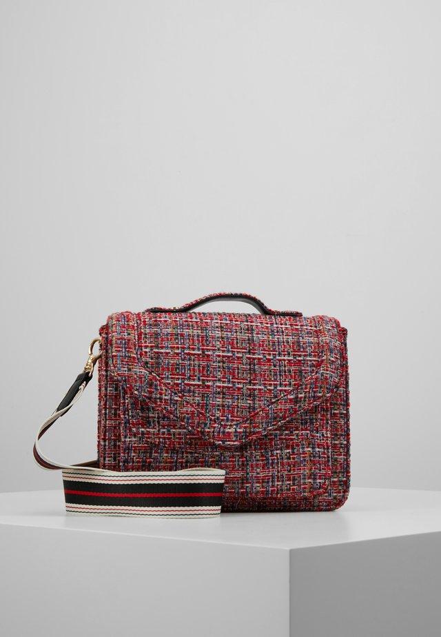 LOVISH MARA BAG - Handväska - fiery red