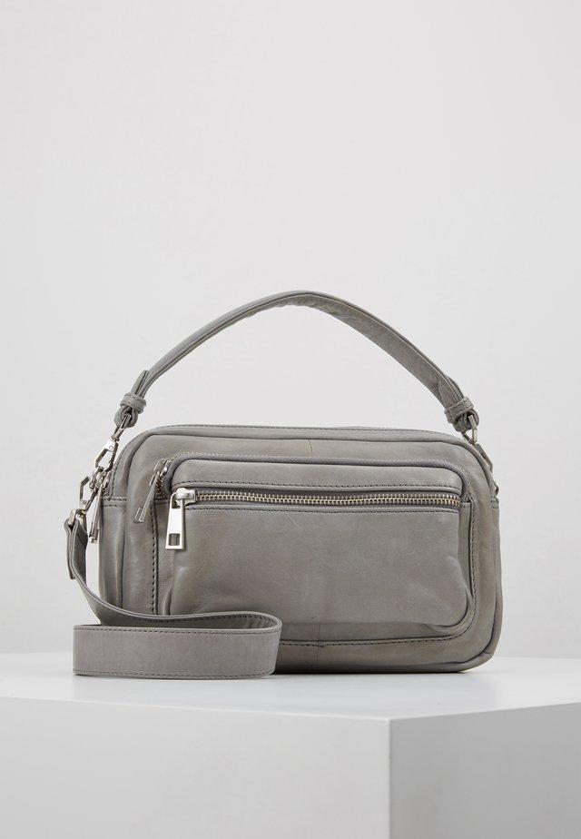 MOLLY BAG - Handväska - grey