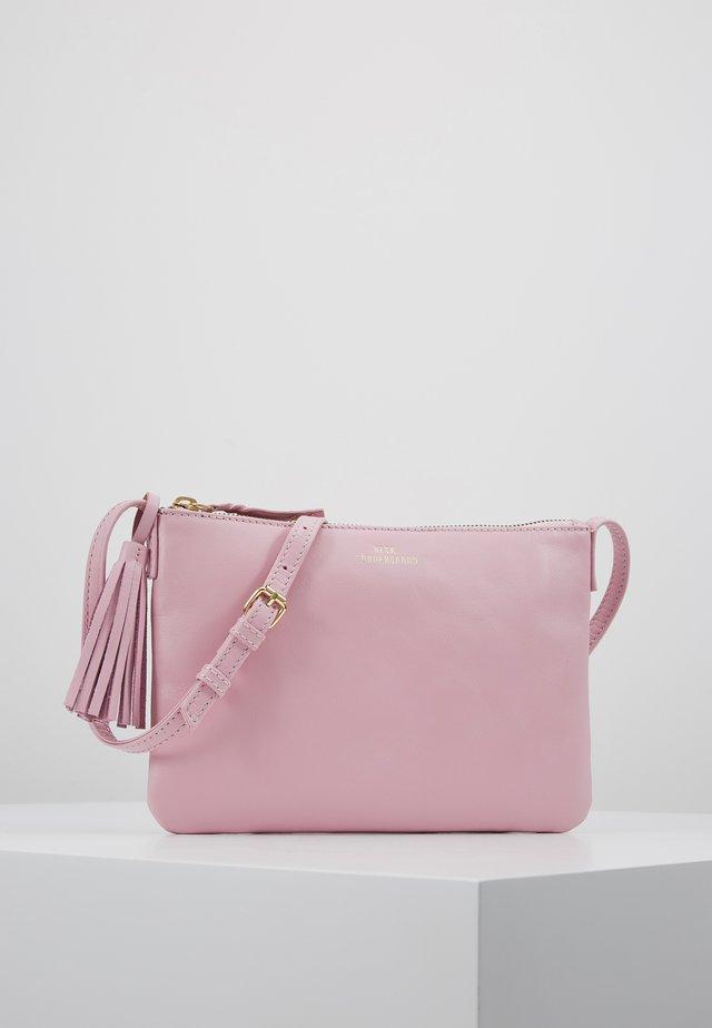 LYMBO - Taška spříčným popruhem - pink lavender