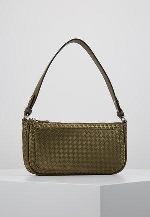 BRAIDY MONICA BAG - Handtasche - army green