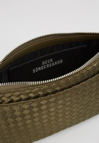 Becksöndergaard - BRAIDY MONICA BAG - Sac à main - army green - 4