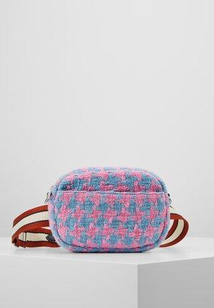 FANY - Bum bag - sachet pink