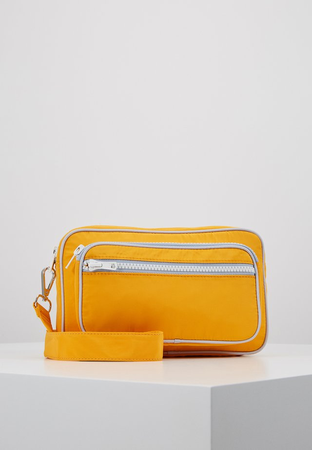 MOLLY BAG - Schoudertas - orange