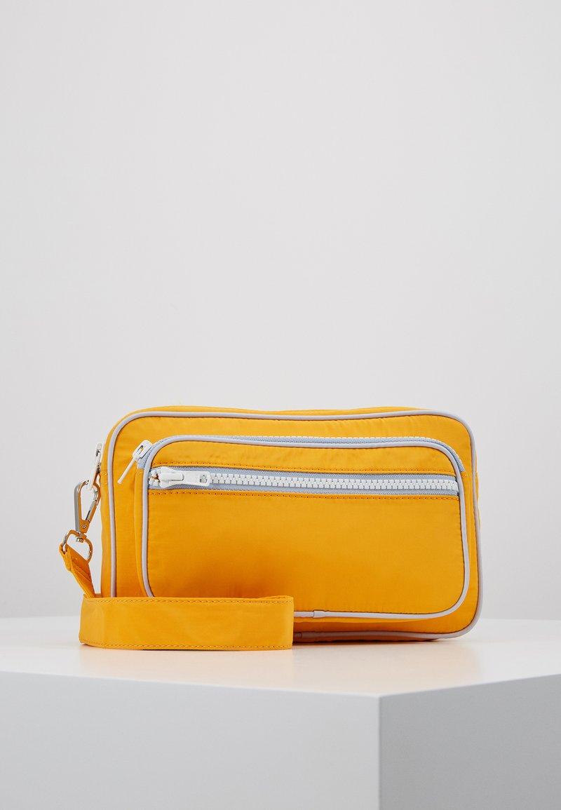 Becksöndergaard - MOLLY BAG - Skulderveske - orange