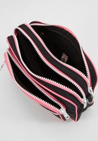 Becksöndergaard - MOLLY BAG - Across body bag - black - 4