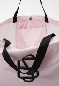 Becksöndergaard - SOLID FOLDABLE BAG - Tote bag - crystal pink - 4