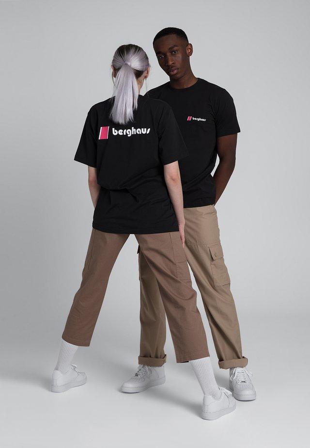 HERITAGE  - T-shirt imprimé - black